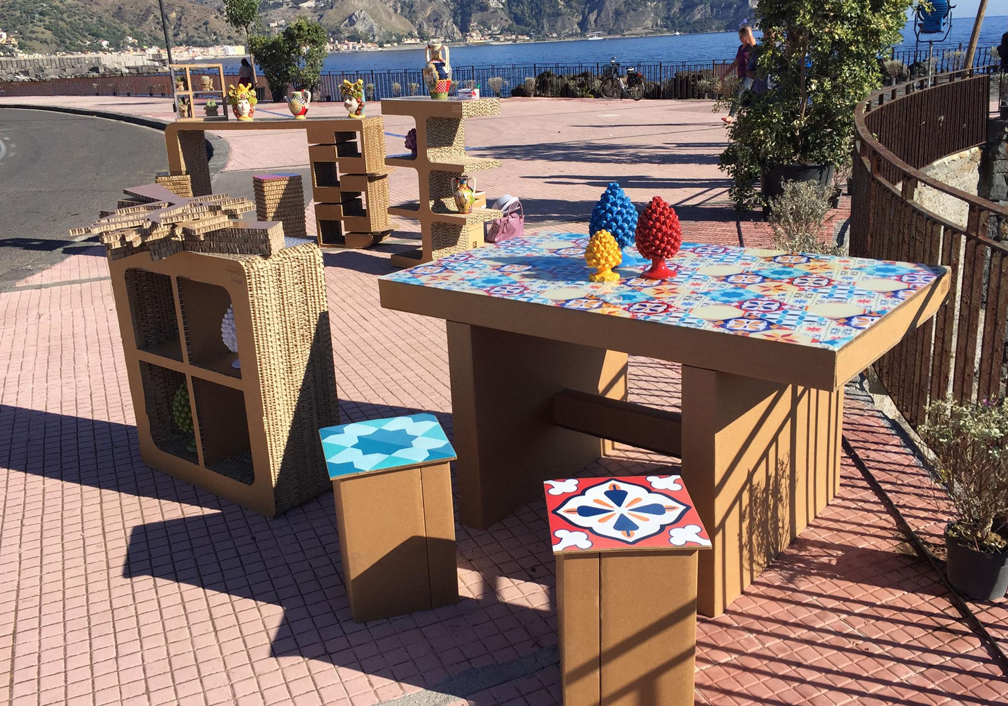Kattuni arredi in cartone mobili arredamenti design in for Arredi in cartone
